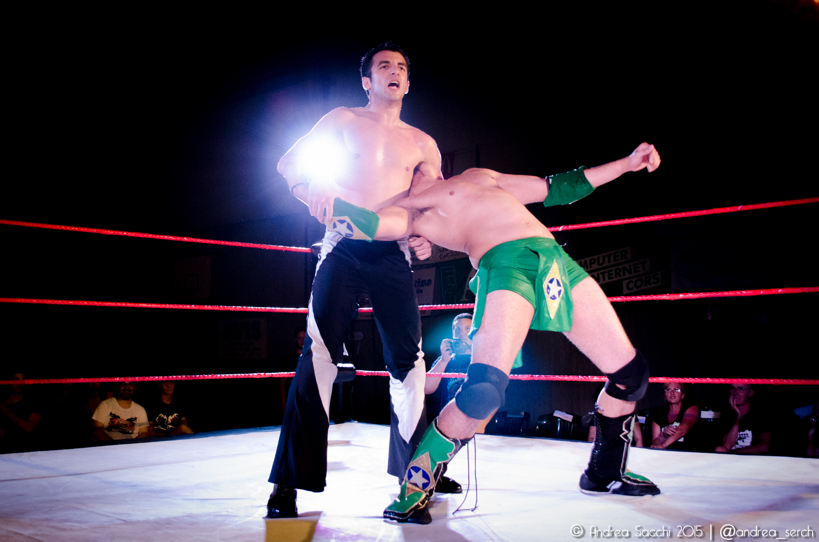 """Il motto di Manero è """"Stayin' Alive"""" e riesce a farne un cavallo di battaglia in ogni match, ottenendo importanti vittorie contro qualunque nome"""