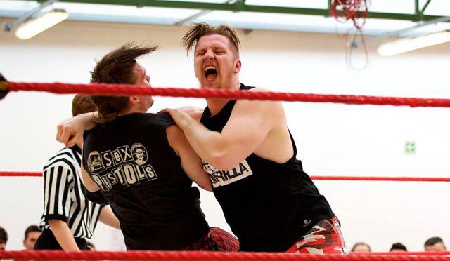 La carriera del giovanissimo Tony Callaghan ha subito una notevole impennata negli ultimi mesi, collezionando grandissime vittorie contro leggende del Wrestling Italiano