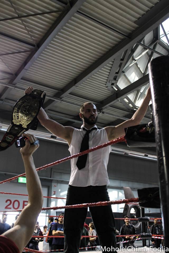Da Campione dei Record con il TItolo Interregionale, Corleone sembra altrettanto inarrestabile con la Cintura di Campione Italiano di Wrestling.
