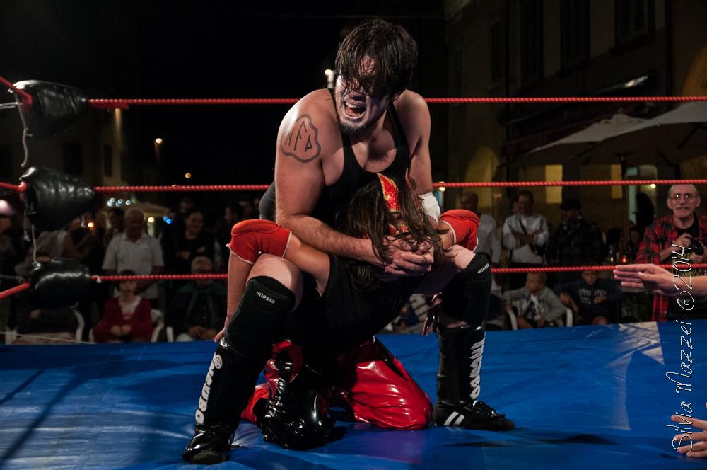 """""""Il Signore delle Tenebre"""", Incubo, è uno dei Wrestler più dominanti della Italian Championship Wrestling"""