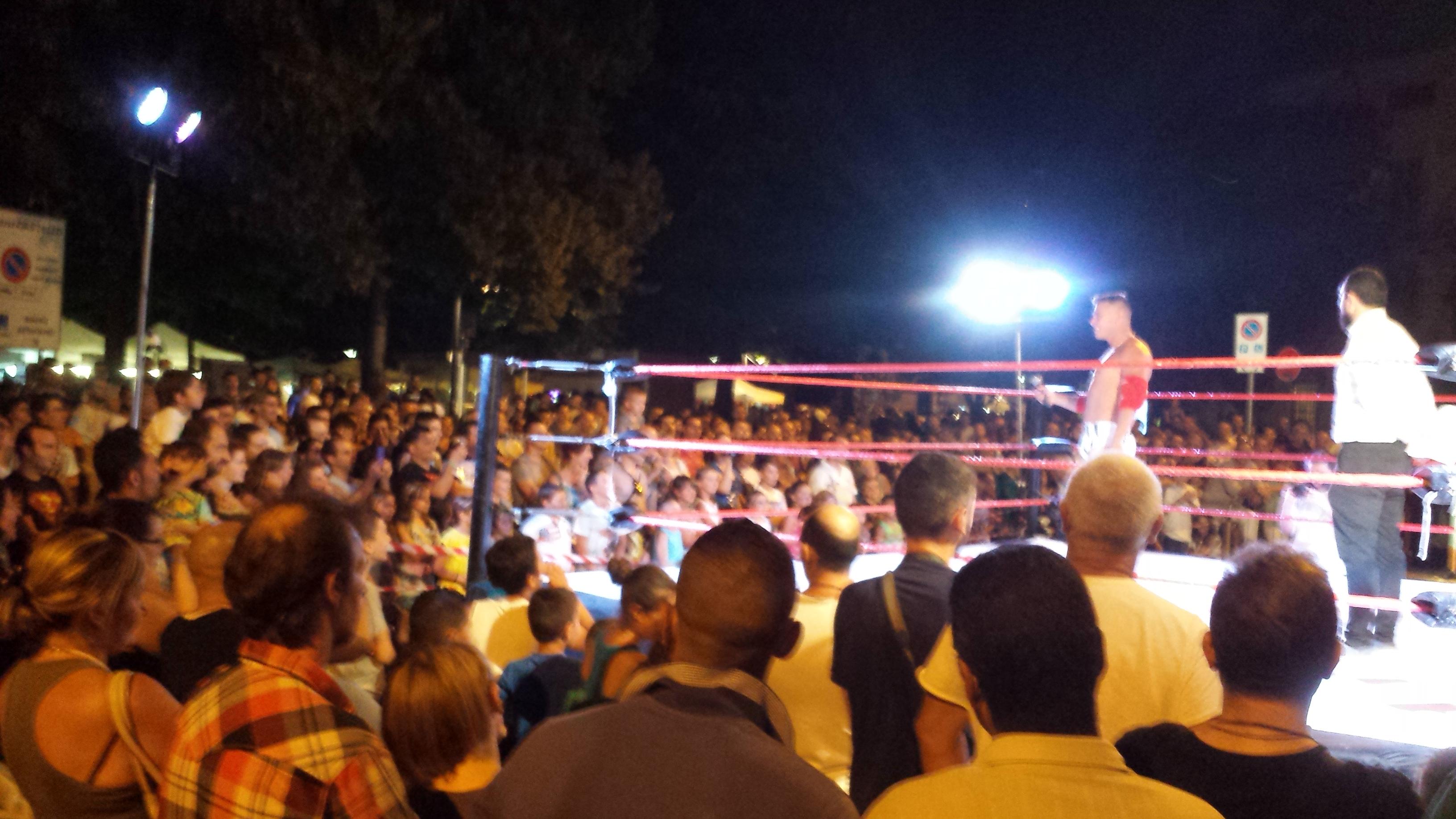 Folla Record assiste alla ICW alla Notte Bianca di Lodi!