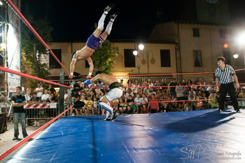 """Il """"Numero Uno 2016"""" Nick Lenders, riesce ad aggiudicarsi il match con un'altra stella nascente del Wrestling Italiano in una contesa combattutissima"""