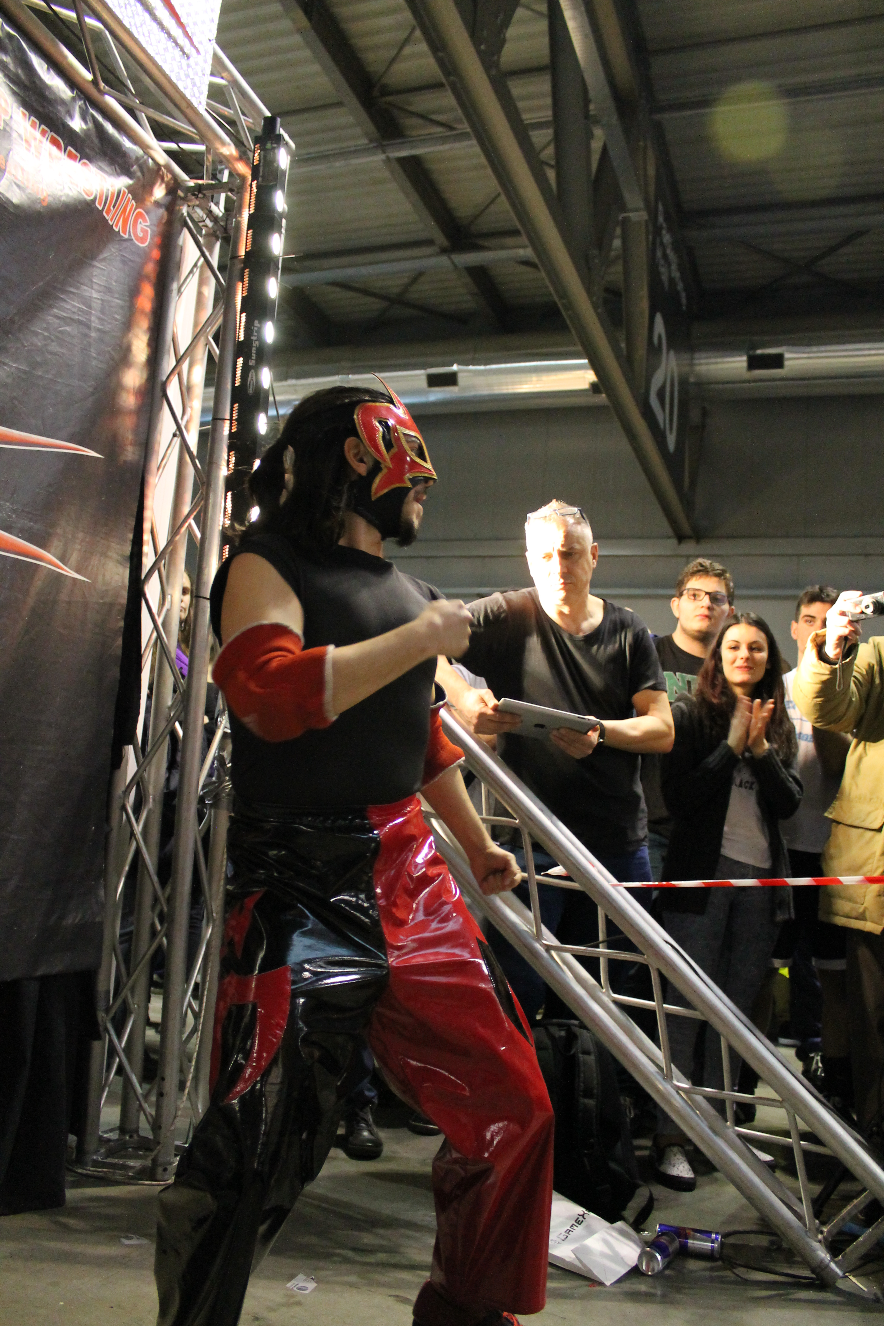 Grazie alle loro doti atletiche, Picchio Rosso e Pegaso sono riusciti ad aggiudicarsi questo tag team match